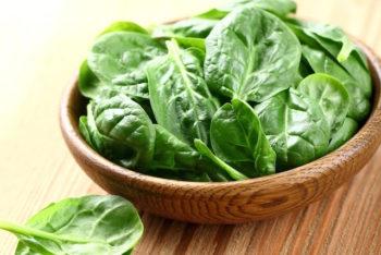 11 incríveis benefícios do espinafre (e informação nutricional)