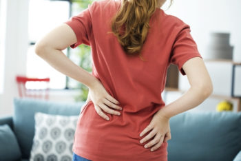 6 causas de dor na coluna lombar e o que fazer